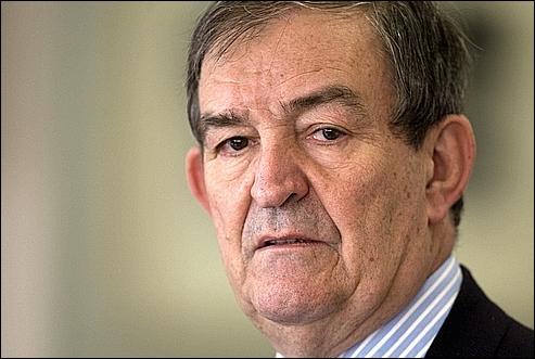 Le juge Jean-Louis Bruguière a combattu le terrorisme (Action directe, DC-10 d'UTA, Carlos). Cependant, il se pourrait qu'il se soit ''trompé'' en orientant son enquête vers les islamistes dans le dossier de l'attentat de...