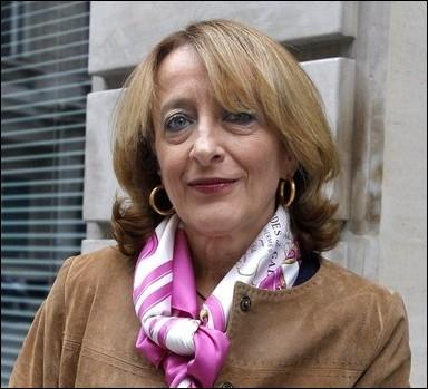 Xavière Siméoni travaille au pôle financier du tribunal de grande instance de Paris. Elle a acquis une certaine notoriété en envoyant un ancien président français devant un tribunal correctionnel. Quel est ce président ?