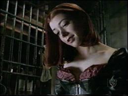 Dans quelle série de vampires Alyson Hannigan joue-t-elle Willow Rosenberg ?