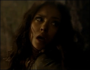 En quelle année Katherine se transforme-t-elle en vampire ? Avec le sang de qui ?