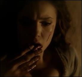 Que fait Katherine pour recevoir du sang de vampire ?