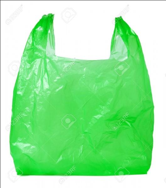Dieu merci, les grandes surfaces n'en distribuent plus... on en retrouve de moins en moins qui traînent dans la nature. En combien d'années un sac en plastique se décompose-t-il ?