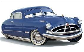 Que découvre Flash McQueen à propos de Doc Hudson à Radiator Springs ?