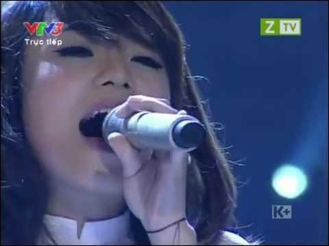 """À quel pays Pham Quynh Anh s'adresse-t-elle, quand elle interprète la chanson écrite par Marc Lavoine : """"Bonjour ... """" ?"""