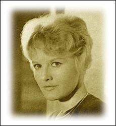 C'est sans aucun doute la plus française des chanteuses britanniques de ces années-là. Elle se révèle en 1962 au public français avec ... .