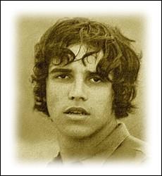 D'origine guadeloupéenne, cet auteur-compositeur-interprète compose avec Etienne Roda-Gil en 1968 son premier succès ... .