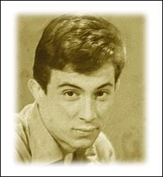 Chanteur à la voix de velours qui connut son heure de gloire en 1964 avec la version française d'une chanson de Bobby Solo ... .