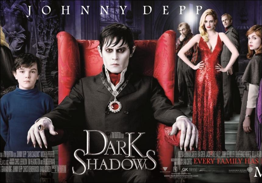 Qui a écrit le sénario de  Dark Shadows  dans lequel Eva joue le rôle d'Angélique Bouchard ?