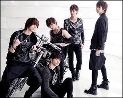 Groupe plutôt connu grâce à ses merveilleux membres : Joon, Mir, G. O. , Thunder et Seung Ho, je ne vais pas en dire plus ... c'est assez je crois :