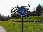 Ce panneau signale ' Garage a Vélo ?