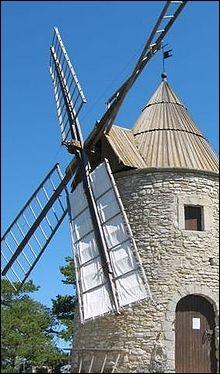 Quel pays compte plus de 9 000 moulins à vent ?