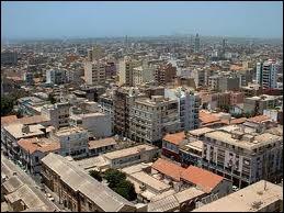 Dakar est la capitale de quel pays ?