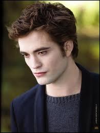 De qui Bella tombe-t-elle amoureuse dans le livre 1 ?