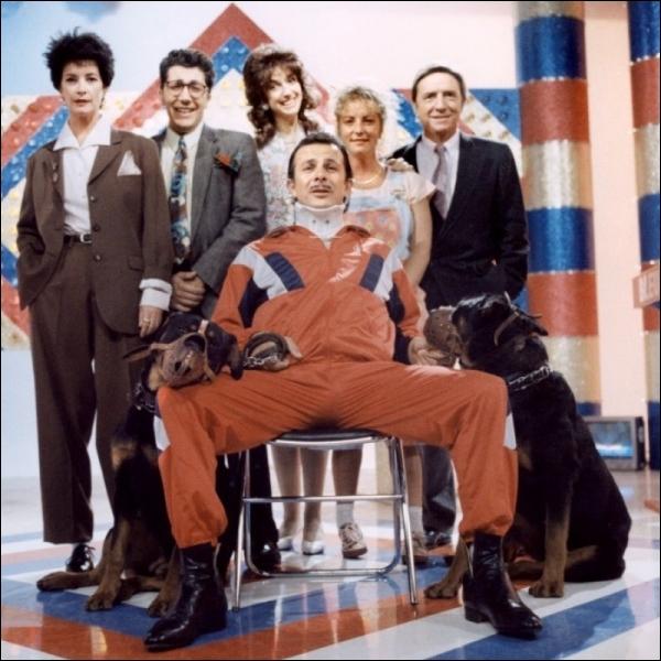 Quel nom porte l' émission animée par Alain Chabat ( Gérard Martinez) et assisté de Zabou Breitman, dans le film à sketches  Les secrets professionnels du Dr Apfelglück  ?