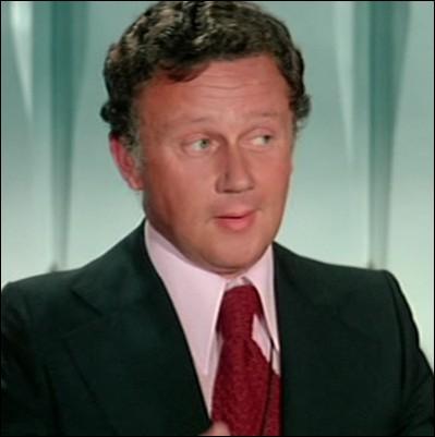 Dans quel film joué par Louis De Funès peut-on voir Philippe Bouvard en animateur dans un débat télévisé sur   la malbouffe   ?
