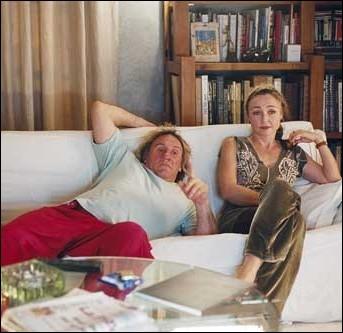 Quelle émission-jeu de la télévision regarde Gérard Depardieu alias  Boudu , dans le film du même nom réalisé par Gérard Jugnot en 2004 ?