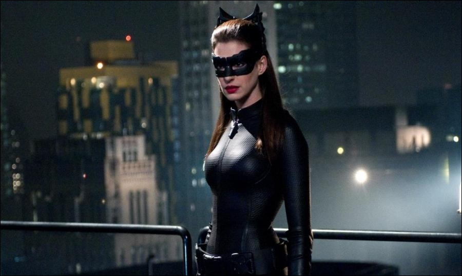 Qui joue Selina Kyle/Catwoman ?