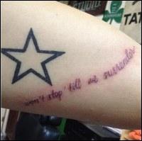 Que signifie le tatouage  étoile  d'Harry ?