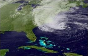Octobre : Un puissant ouragan frappe les Antilles puis la côte est des États-Unis avant de dévaster New York. Quel était son nom ?