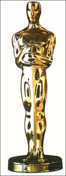 Février : Le 26 à Hollywood, c'est la consécration pour ce comédien qui devient le premier français à décrocher l'Oscar du meilleur acteur.