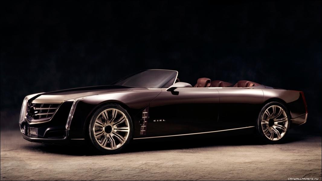 Plus récent, quelle est la marque de cette voiture qui rend hommage aux voitures américaines des années 50-60 ?