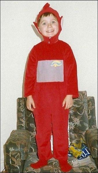 Quel âge avait Niall quand il s'est déguisé en  Po  des Télétubbies ?
