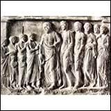 Quels étaient les attributs d'Asclépios ?