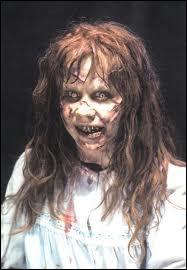 Quel est ce film d'horreur où une fille est possédée par le diable ?