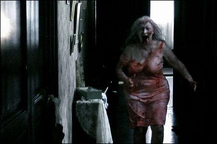 Quel est ce film d'horreur où des pompiers vont dans un immeuble avec des monstres ?