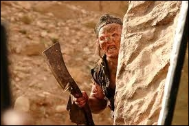 Quel est ce film d'horreur où il y a des monstres dans une colline ?