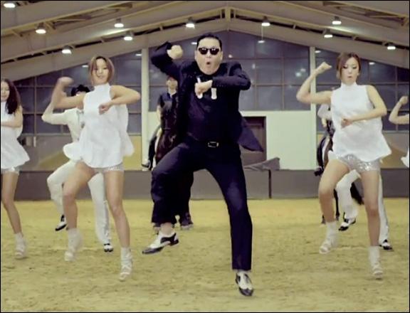 Comment s'appelle la chanson de ce clip chantée par Psy ?