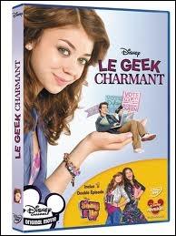 Dans le Disney Channel Original Movie  Le geek charmant , comment s'appelle la fille populaire ?