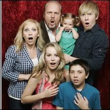 A quel moment de l'année dernière le Disney Channel Original Movie  Bonne chance Charlie  est-il sorti ?