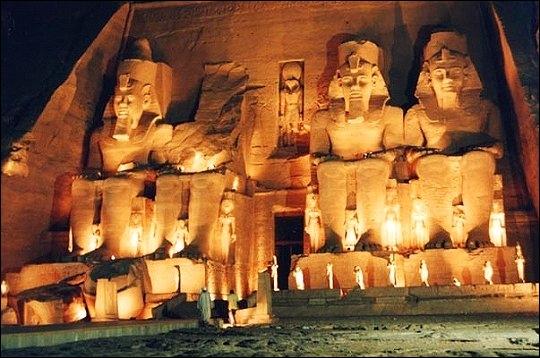 Quel temple fut construit par Ramsès II ?