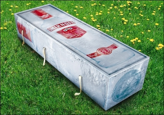 Ce cercueil est tout désigné pour quelqu'un de nationalité...
