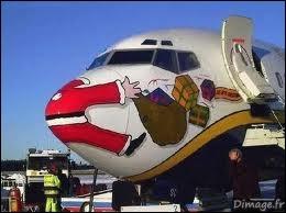 Un accident est si vite arrivé ... Si le Père Noël portait un gilet jaune fluo, il risquerait moins de se prendre un avion :