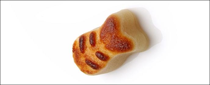 Sa popularité s'accroît en période de Noël avec la confection, à partir de pâte d'amandes, de figurines traditionnelles.