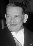 Son mandat est marqué par la guerre d'Algérie. Il fait appel au général de Gaulle pour résoudre la crise de mai 1958. C'est...