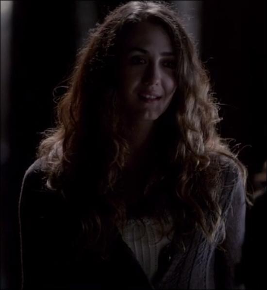 Saison 4 - Charlotte est devenue vampire grâce au sang de :