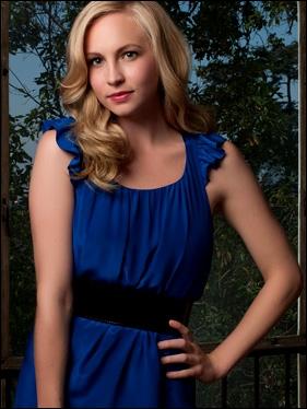 Caroline est devenue vampire grâce au sang de :