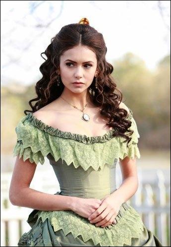 Katherine est devenue vampire grâce au sang de :