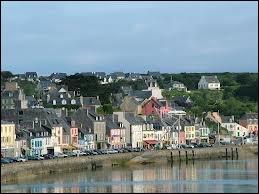 Je commence notre promenade Finistérienne par la commune de Camaret-sur-Mer, où les habitants se nomment les ...