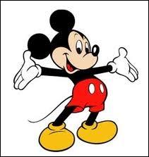 Un chat apparaît dans le journal de Mickey, quel est son nom ?