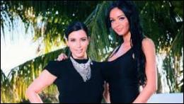 Avec quelle  guest star  américaine invitée lors de la saison 5 pose-t-elle sur cette photo ?
