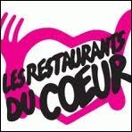 Quel humoriste a fondé les  Restaurants du coeur  ?