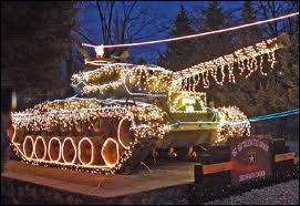 Le plus curieux dans cette photo d'un tank illuminé, est ?
