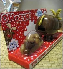 Ceci est un cadeau de Noël, il s'agit bien de l'un des rennes du Père Noël... mais il est accompagné, semble-t-il...