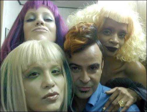 Sur cette photo, quatre acteurs du film dans leurs costumes. Qui reconnaissez-vous ?