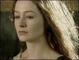 De quelle couleur est la robe d'Eowyn lorsque Gandalf libère Théoden de l'emprise de Saroumane ?