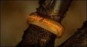 Combien de temps l'anneau resta-t-il dans l'oubli après la mort d'Isildur ?